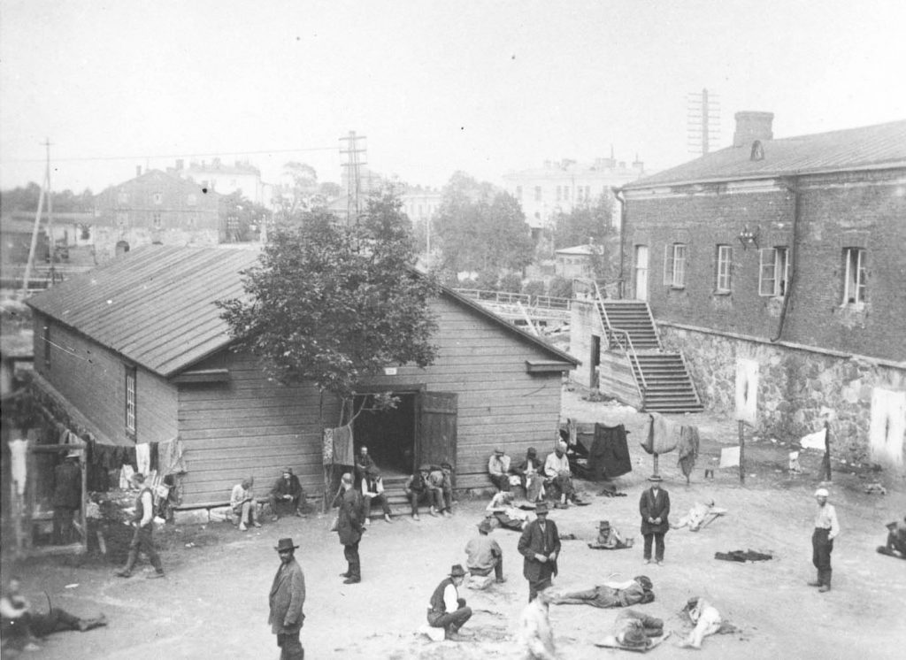 The Suomenlinna prison camp. The People's Archive.